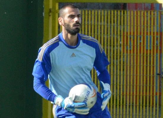 Apruzzese para due rigori e Paolacci firma il gol vittoria a Nuoro.